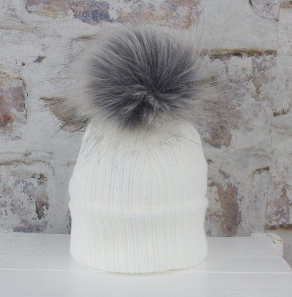 white baby pom hat