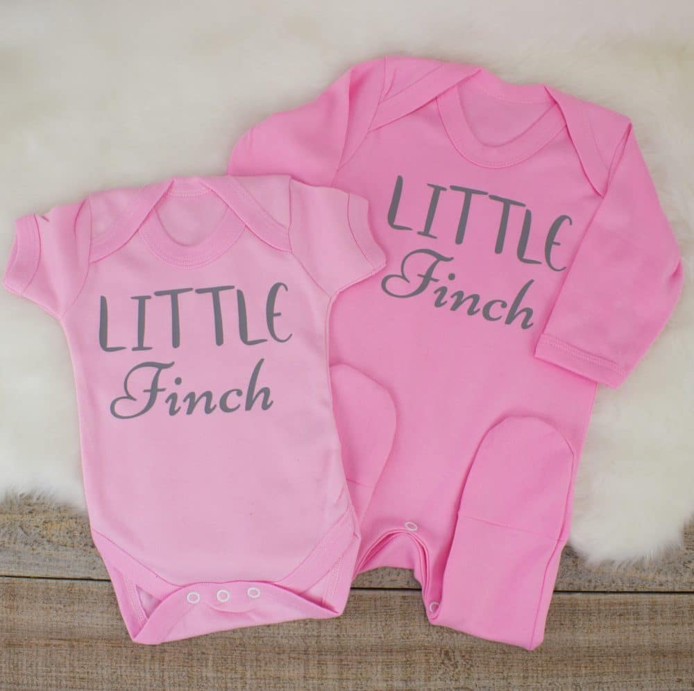PERSONALISED 100/% COTTON PINK OR BLUE BABY SLEEPSUIT//BABYGROW BOY//GIRL GIFT